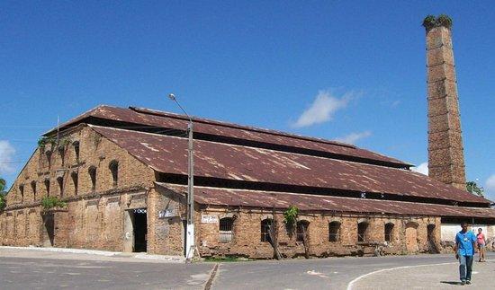 """Pindare-Mirim: Casa Histórica """"Engenho Central São Pedro"""" inaugurada em 16 de agosto de 1884."""