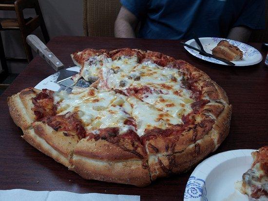 Salem, IN : Deep dish pizza - yum!