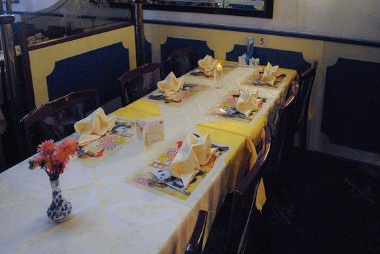 Santpoort-Noord, Holandia: Restaurant tafel