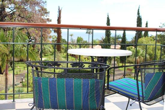 Quinta Jardins do Lago: So sieht der Balkon aus (Hintergrund Garten & Meer)