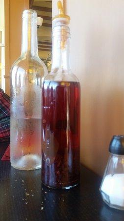 Le Thiers: le vinaigre aux vielles échalotes .