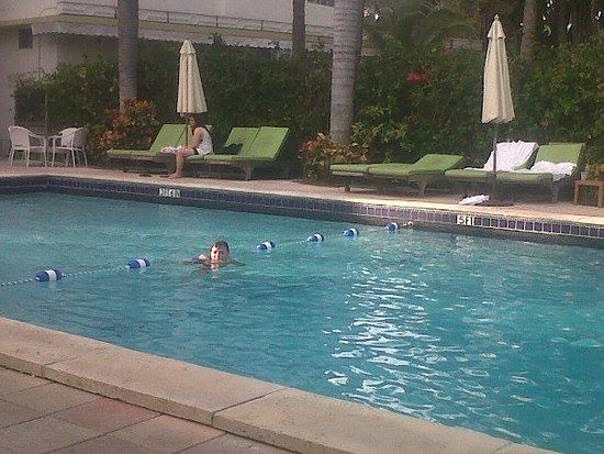 South Seas Hotel Photo