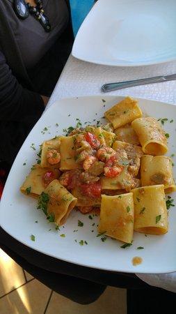 Furci Siculo, Italien: Paccheri carciofi e gamberi