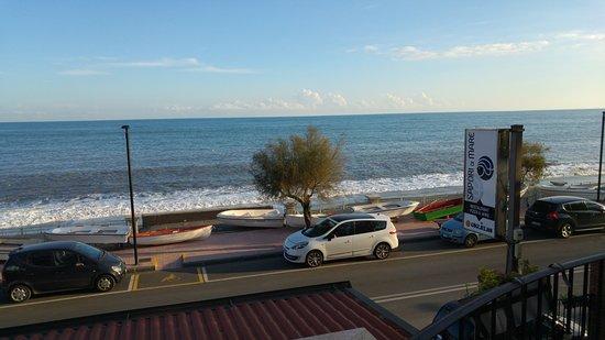 Furci Siculo, Italien: Visuale dal terrazzo