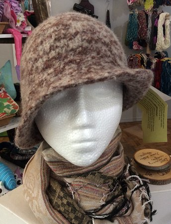 Vernon, Canada: Hand sculptured felt woman's hat