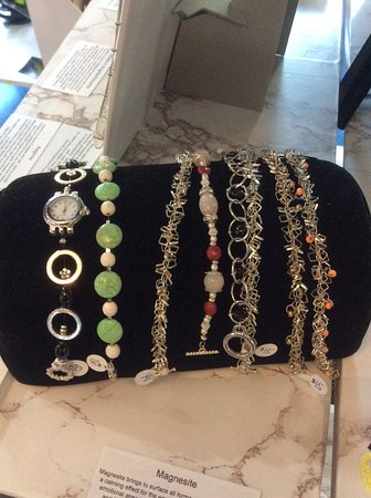 Vernon, Canada: Hand made jewelry including bracelets, necklaces, book marks,,zipper closures