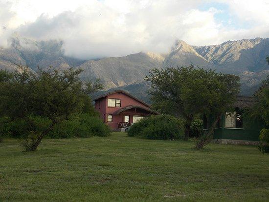 Solarium Del Valle: Eses día había nubes sobre la montaña, sino se ven infinitas