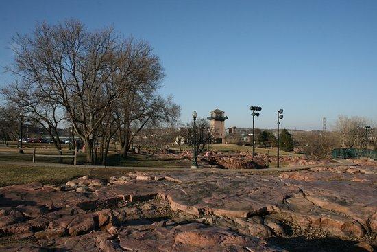 Red Roof Inn Sioux Falls: Falls Park
