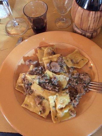 Antica Osteria di Montecarelli: photo4.jpg