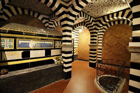 Grizzana Morandi, Ιταλία: Tomba di Cesare Mattei