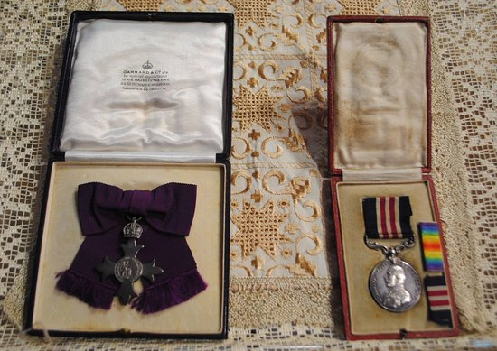 Limavady, UK: 2 x medals won by local women in WW1