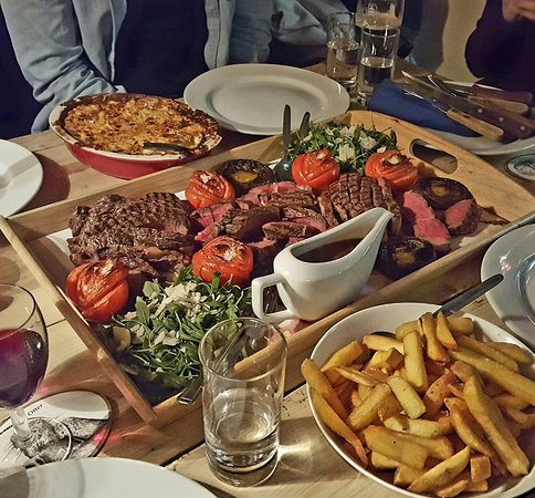 Dittisham, UK: Spectacular Cote de Boeuf to share. Order 48hrs in advance.