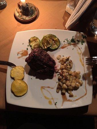 Tres Keros Restaurant Grill & Bar: photo2.jpg