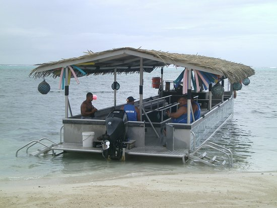 Muri, Wyspy Cooka: This is the boat we traveled in.....easy to get on and off.