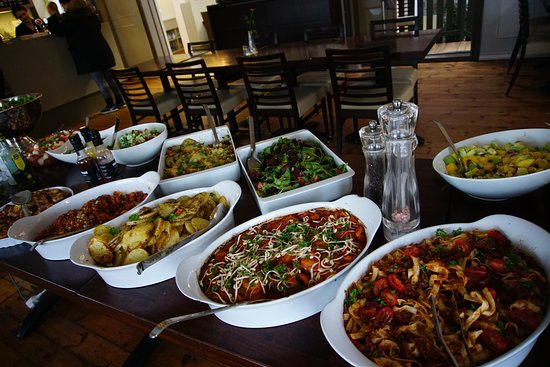 Borgarnes, Islandia: Many variety of vegetarian dishes