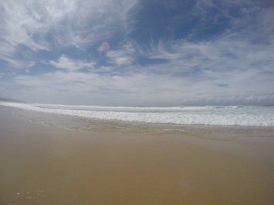 ذا دونز ريزورت آند هوتل: Hermosa playa cuando esta tranquilo el Mar
