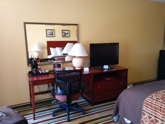 Moenkopi Legacy Inn & Suites: Room 214