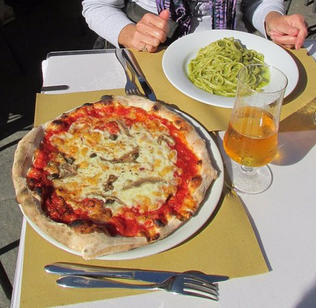 Provincia di Pisa, Italia: Great lunch, pizza and pasta