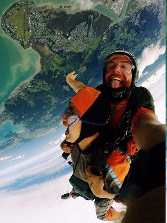Whangarei, Nueva Zelanda: Brave Vulnerable by Sheen Francis Reyes