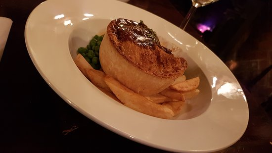 Old Crown Coaching Inn: Just an awesome pie.