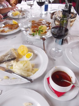 Ponteareas, İspanya: bacalao and ternera