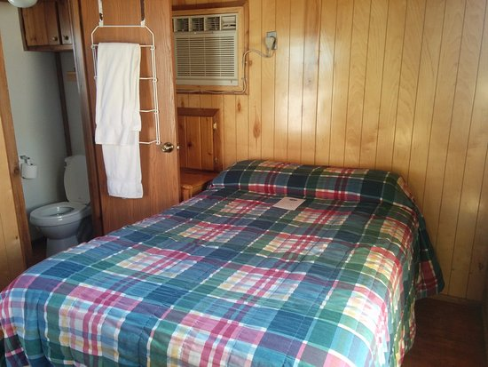 Moab Valley RV Resort & Campground: DC2-2 Cabin
