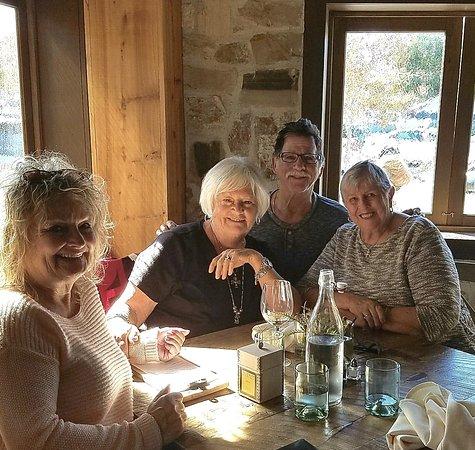 Corona del Mar, CA: Lunch at the Farmhouse in Rogers Gardens - Fun