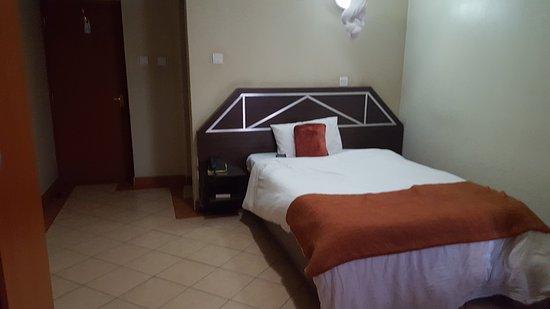 Nairobi Transit Hotel: 20161127_061820_large.jpg