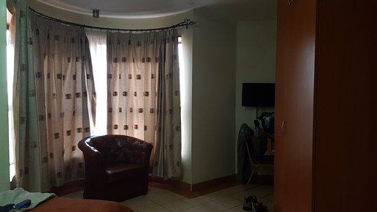 Nairobi Transit Hotel: 20161127_062403_large.jpg