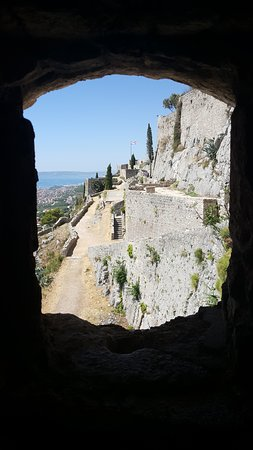 Klis, Croacia: view from a window