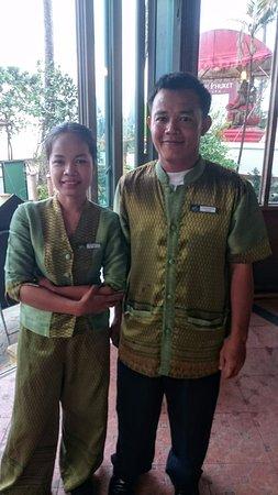 Baan Karonburi Resort: Friendly Restaurant Staff