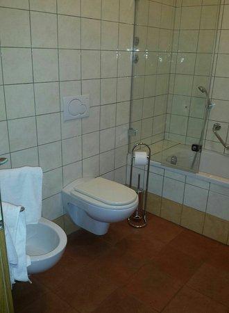 Hotel Caesar Prague: Screenshot_2016-11-27-21-32-34-1_large.jpg