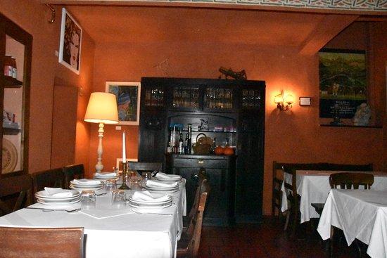 Casole d'Elsa, Italy: il locale, una sala