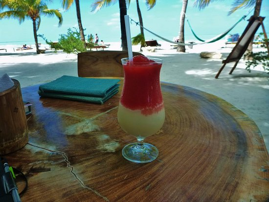 Holbox Hotel Mawimbi: Lovely cool refreshments are available all day long.