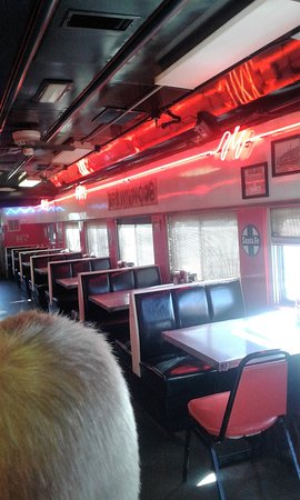 Runaway Train Cafe: inside booths