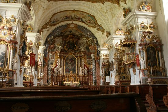 Burghausen, Germany: Rokoko in der Kirchenausstattung