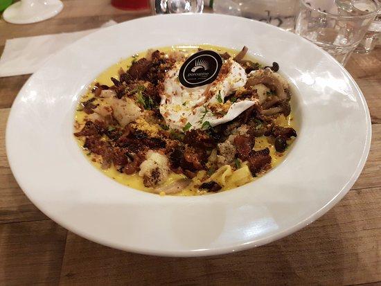 Puchong, Malaysia: Disappointing mushroom/cauliflower/bacon pasta dish