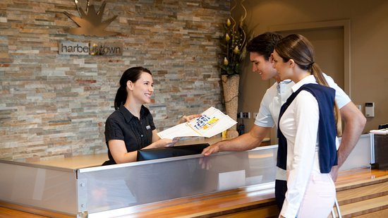 Biggera Waters, Austrália: Tourism Lounge to collect your Free Discount Card