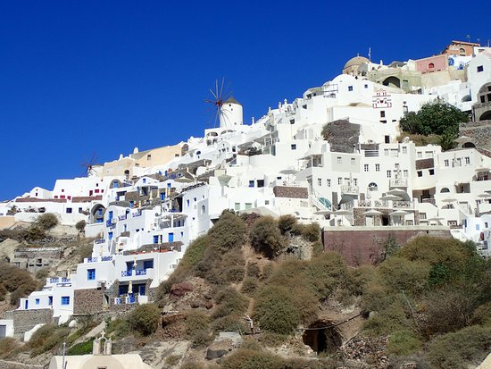 Santorini Sea Trips Anemos: Climb to Oia