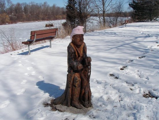 Welland, Canada: Wooden carving