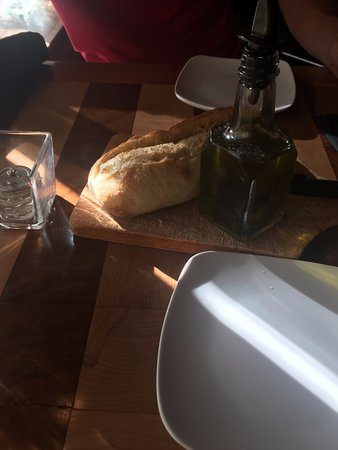 Oxford, MI: Warm Bread w/Olive Oil