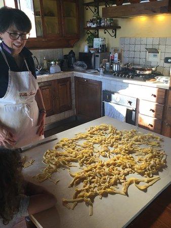 Castiglion Fiorentino, Italia: Pasta lesson!