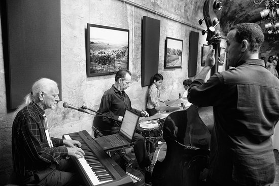 Los Gatos, Califórnia: Perfect acoustics for a 3 piece Jazz Band