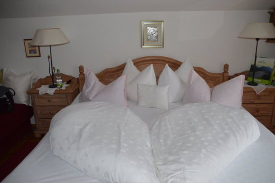 Gintherhof: Beautiful duvets and pillows