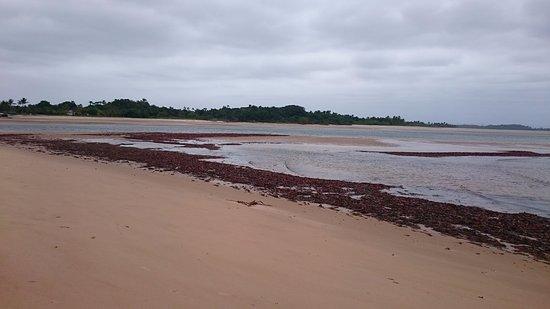 Marau, BA: Encontro do Rio com o mar