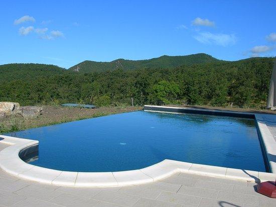 Montecatini Val di Cecina, Ιταλία: la piscina che guarda la valle