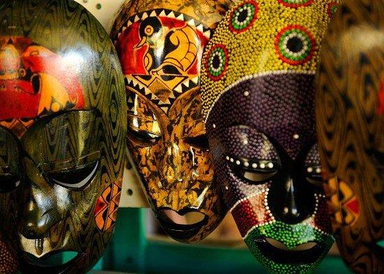 Bahama Craft Centre: bahamas-craft-center-content2-560x400_large.jpg