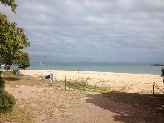 Hydeaway Bay, Australia: this is the view from our cabin! amazing hey!!