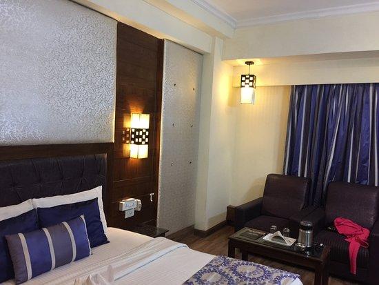 โรงแรมชิราสรีเจนซี: photo0.jpg