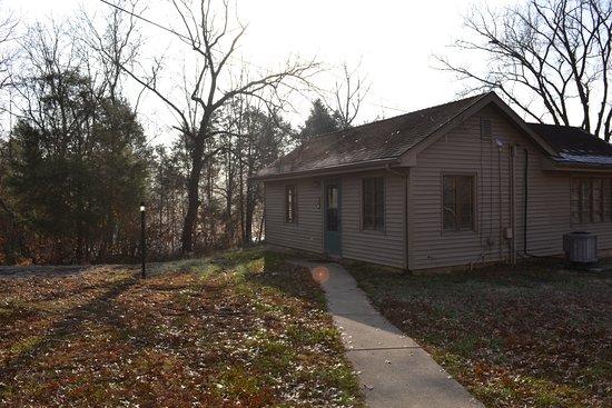 Carrollton, KY: 2-bedroom cabin